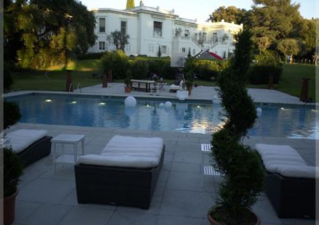 poolhaus01